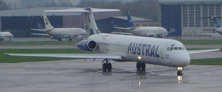 Austral MD-83 (c) Albasmalko cc-by-sa http://commons.wikimedia.org/wiki/File:Austral_MD80_Esquema_de_Pintura_2007.JPG