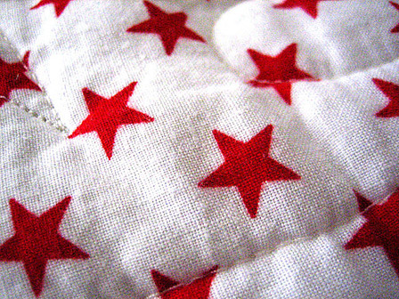 Red Stars (c) by Trevor D. http://www.flickr.com/photos/pixelcore/78400046/