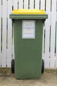 Poubelle de Davron