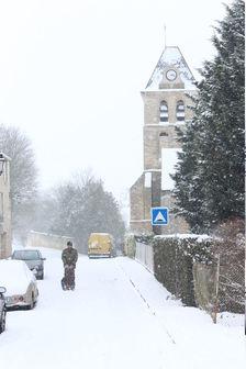Église de Davron sous la neige